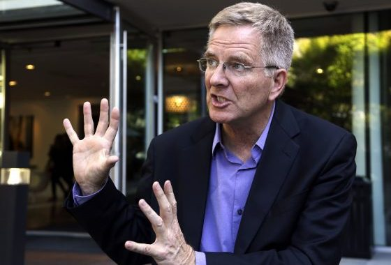 Travel Host Rick Steves Testifies In Favor Of Illinois Marijuana Legalization Effort